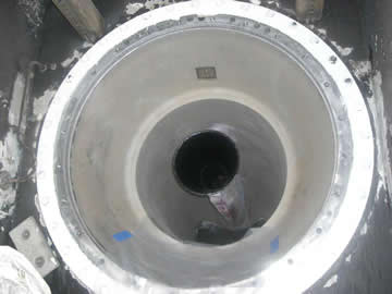 719_sandblasted_interior_tunnel_of_shaft_tubes_1st_coat_of_Belzona_without_plunger